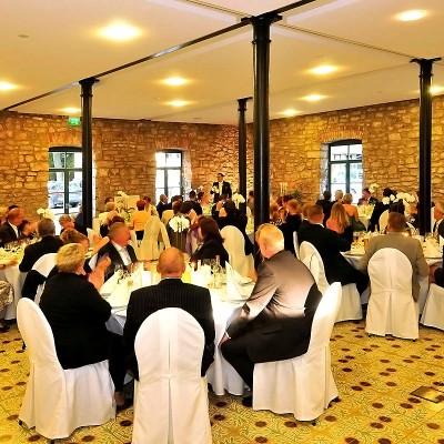 Hochzeitsfeier in der Kornkammer