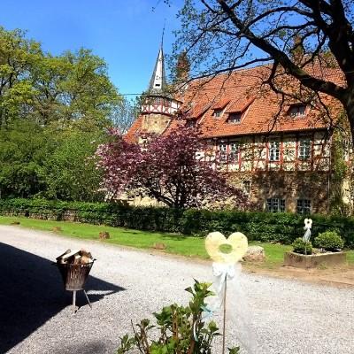 historisches Herrenhaus im Sommer