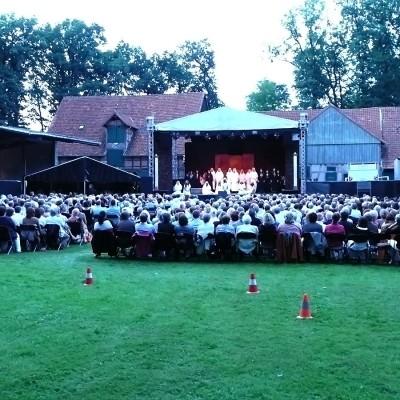 Openair Oper vor Zuschauern